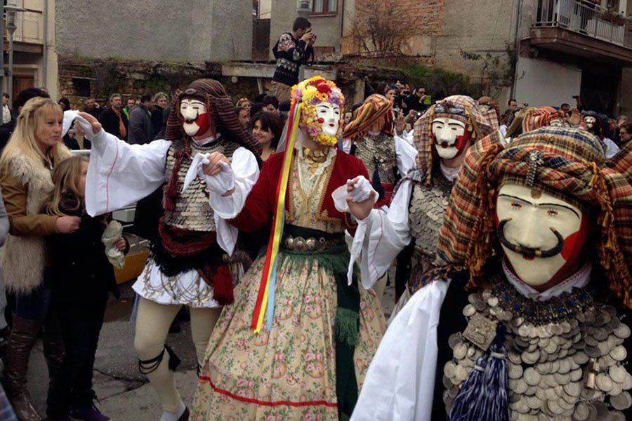 trigiro_tours_naoussa_greece_feel_traditional_carnival_003