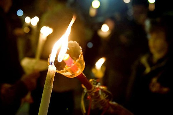 trigiro_travel_tours_greece_easter_candle_lambada
