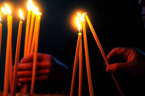 trigiro_travel_tours_greece_easter_candles