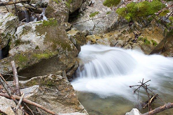 trigiro_unique-travel-experience_naoussa-north-greece-nature-river
